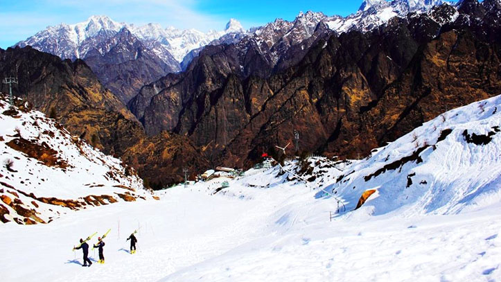 Auli Tour Package from Delhi -5 Nights / 6 Days