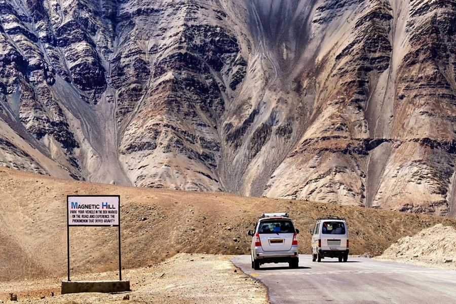 A ROAD JOURNEY FROM MANALI TO LADAKH