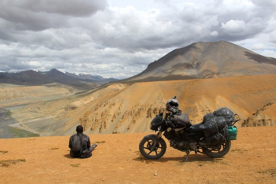 LADAKH WITH LAMAYURU & TSOMORIRI LAKE MOTOR BIKE SAFARI